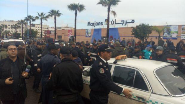 بالصور من كازا.. البوليس يفرق وقفة احتجاجية لأصحاب الطاكسيات الكبيرة