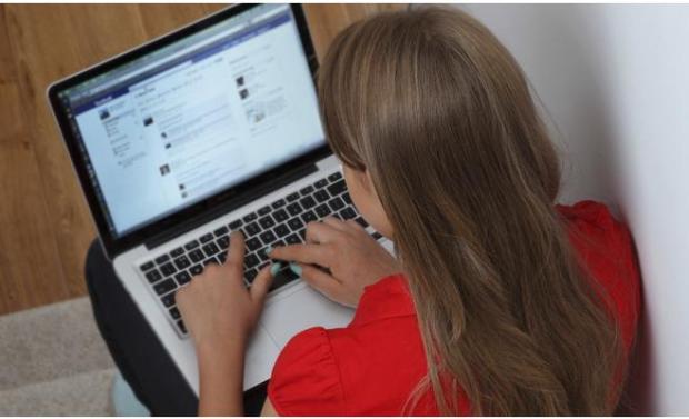 تاشوافت الافتراضية والفتوح بالروشارج والتصاور المثيرة.. الفايس بوك لا يحمي المغفلين! (صور)