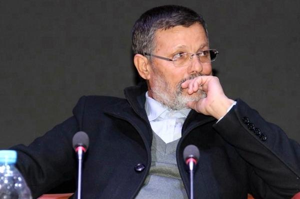 """بدعم من """"سيدي أخنوش"""".. الحاج السيمو رجّع المقعد ديالو فالعرائش!"""