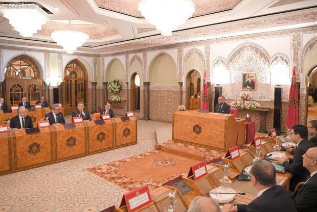 المجلس الوزاري.. الملك يصادق على إعادة تنظيم القوات المساعدة ويرفض مشروع مرسوم لإدارة الدفاع