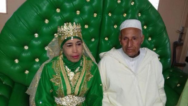 بالفيديو والصور.. كوبل آخر تزوج فدار العجزة