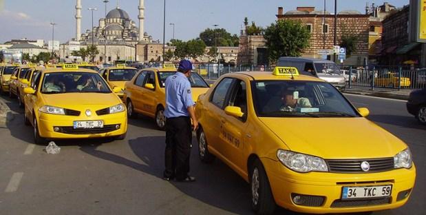 تركيا.. المطالبة بالسجن 10 سنوات لسائق سيارة أجرة أطال رحلة زبونه!!