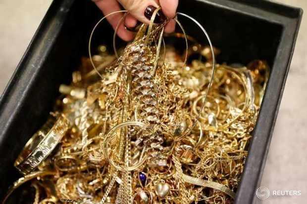باعوه بـ10 ملايين سنتيم للكيلو.. عصابة تُروج الذهب المزور!