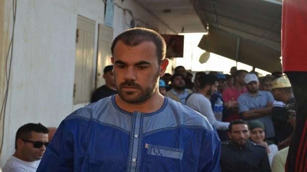 بعدما أكد أنه تم تصويره عاريا.. الزفزافي يطالب بالتحقيق في تسريب صورة إعمراشا وزوجته بدون نقاب