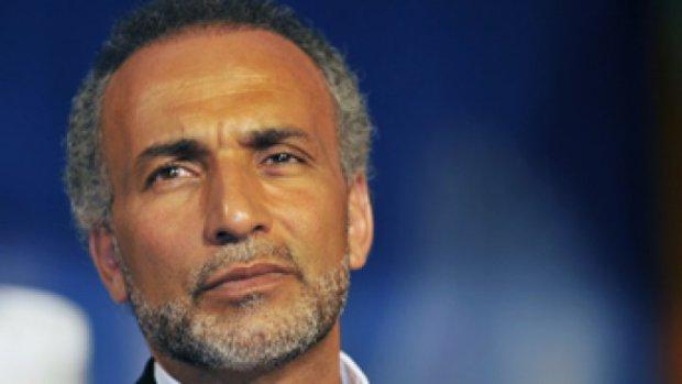 جمعيات مغربية اعتبرت متابعته سياسية.. انصر طارق رمضان مغتصِبا أو مظلوما!!