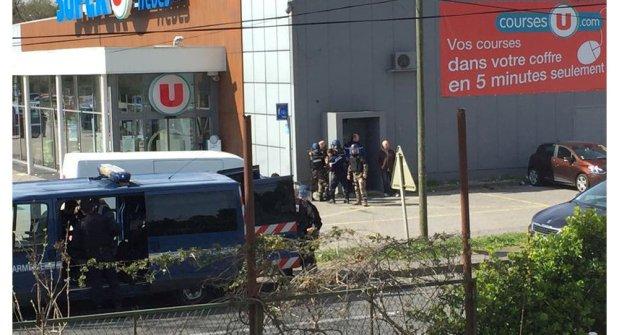 الهجوم الإرهابي في فرنسا.. دارها مغربي؟