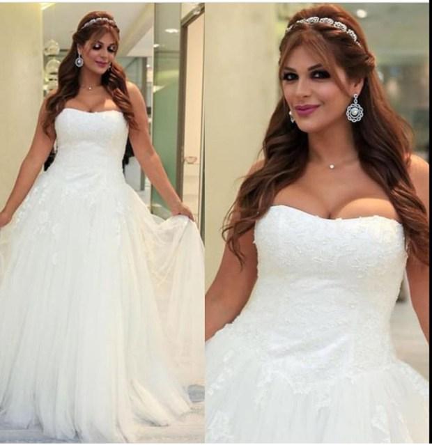 بالفيديو.. الراقصة مايا بفستان زفاف مثير