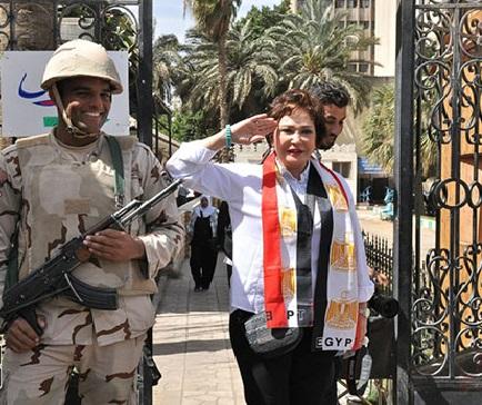 بالصور والفيديو من مصر.. فنانين دايرين الصواب مع السيسي!!