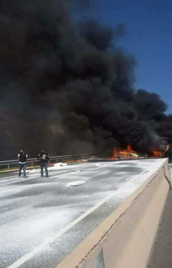 بالصور من أمسكروض.. 6 جثث متفحمة إثر انفجار شاحنة كانت تحمل مواد بترولية