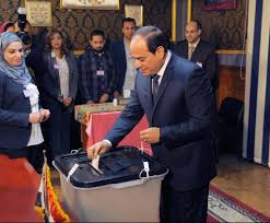 """تصويت وسخرية.. الانتخابات """"الرئاسيسية"""" في مصر!"""