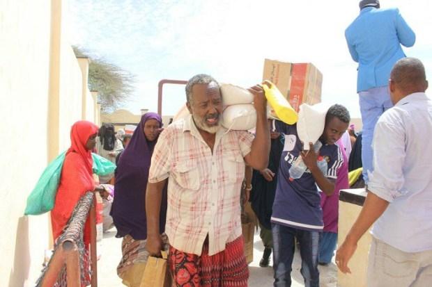 تشبثت بحقها في مواجهة مؤامرات حكومته.. الإمارات تتمسك بدعم الشعب الصومالي