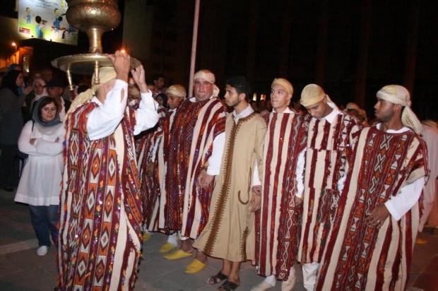 ماشي غير في مكناس.. عيساوة دايرين مهرجان في الدار البيضاء