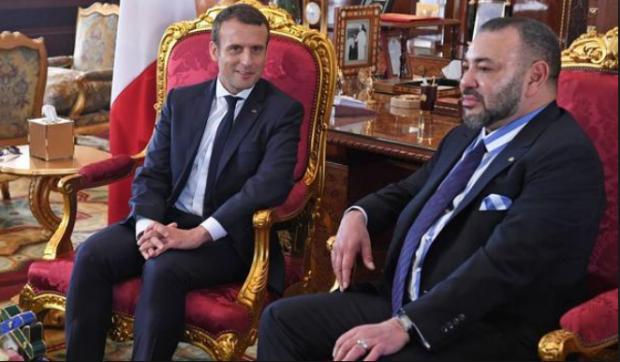 لقاء خاص.. الملك يلتقي الرئيس الفرنسي في الإليزيه