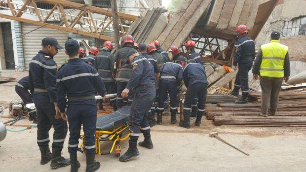 حادث سقوط رافعة في كازا.. إصابة عاملين أحدهما بثرت يده