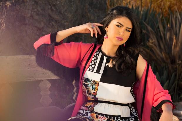 بالصور والفيديو.. سلمى رشيد تدخل عالم الأزياء