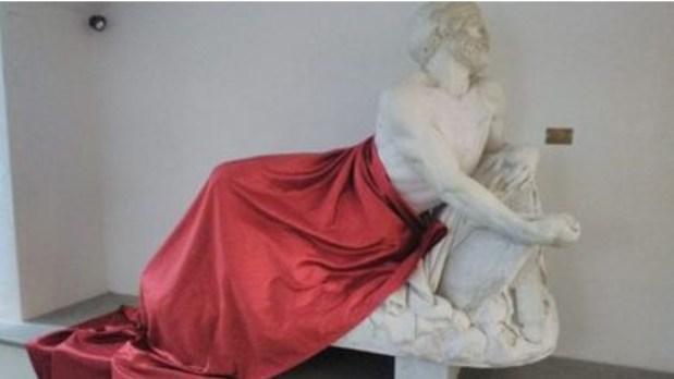 غطاو تمثال باش إصليو.. مغاربة يثيرون الجدل في إيطاليا