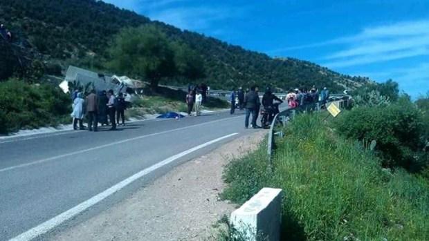 بالصور من أكادير إداوتنان.. مصرع شاب وإصابة آخرين في انقلاب بيكوب