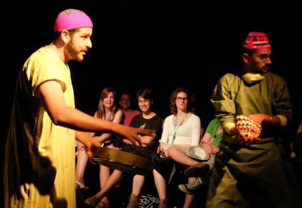 """""""واحد من المغرب"""".. بالمهرجان الدولي للمسرح في البرازيل"""