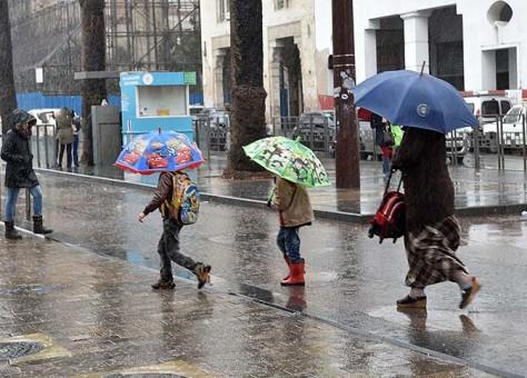 أمطار في عدد من المناطق.. تفاصيل الحالة الجوية الاثنين