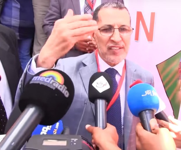 ما بغاش يهضر على المقاطعة.. العثماني سبّق الميم باش يرتاح (فيديو)