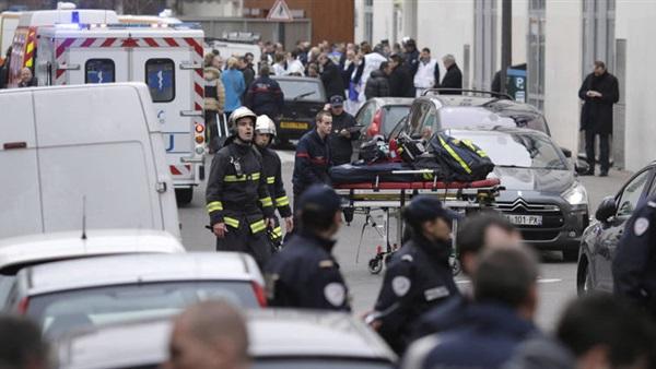 """هتف """"الله أكبر"""".. فرنسا تكشف هوية منفذ هجوم باريس"""