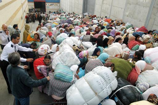 أمن وجمارك.. المغرب يمنع دخول الما والحليب من سبتة