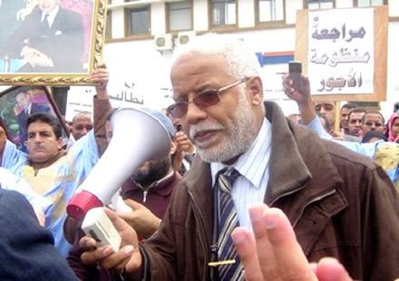 واخا شرح موقفو واعتذر.. مواطنون يطردون محمد يتيم من لقاء في كازا!!