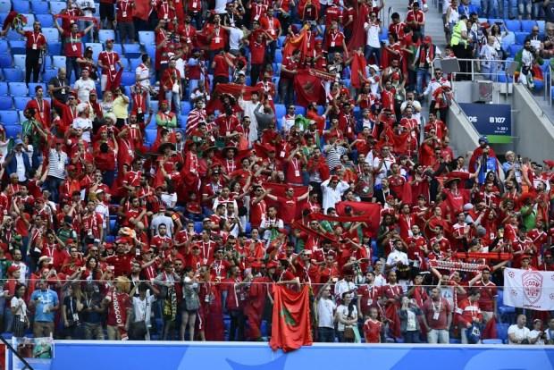 رغم الهزيمة.. الجمهور المغربي شجع الأسود حتى آخر دقيقة (صور)