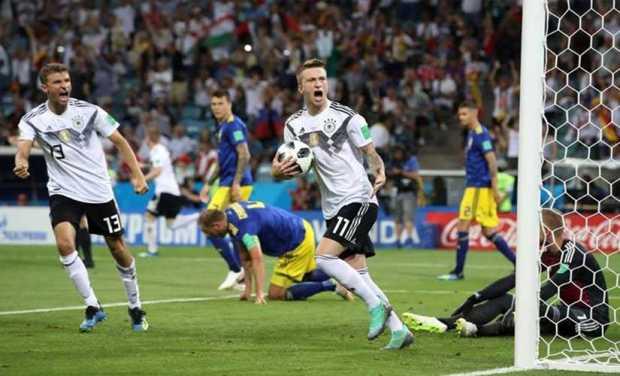 """المستحيل ليس ألمانيّا.. """"الماكينات"""" تهزم السويد في الدقيقة 95!!"""
