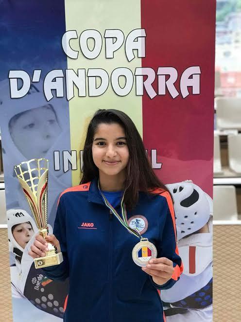 بعد بطولة فرنسا.. طفلة مغربية تفوز بذهبية في رياضة التايكواندو