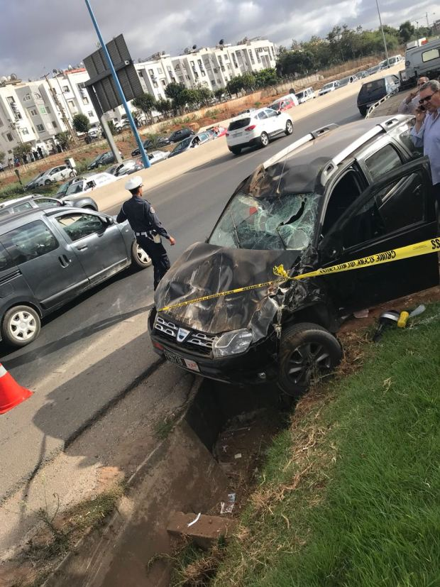حادث خطير على أوطوروت كازا.. مقتل باشا رشق مجهولون سيارته بالحجارة (صور)