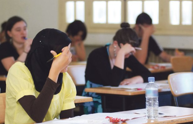 الامتحان الجهوي في سوس.. أغلبية النقّالة حصلو فالتربية الإسلامية!
