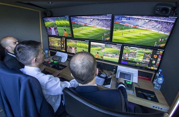 رغم الجدل.. اعتماد تقنية الفيديو في مباراة افتتاح المونديال