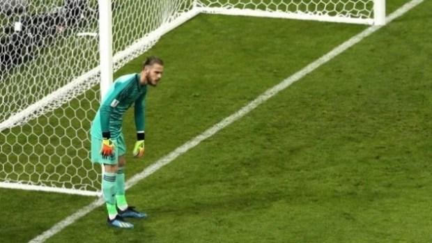 بسبب تسديدة رونالدو.. لاعب إسباني يسب حارس مرماه