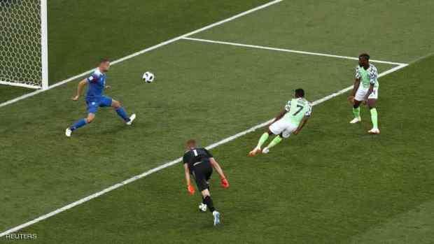 أحمد موسى سجل الثنائية.. نيجيريا تهزم أيسلندا
