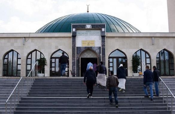 تركيا ما عجبهاش الحال.. النمسا تطرد أئمة وتغلق مساجد