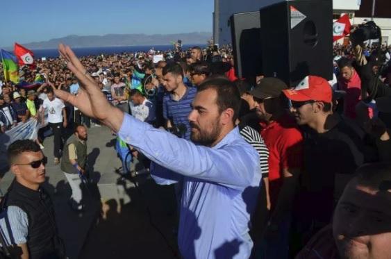 """وصفت الأحكام بـ""""الثقيلة"""".. مجموعة الديمقراطية والحداثة تطالب بإطلاق سراح المعتقلين على خلفية أحداث الحسيمة"""
