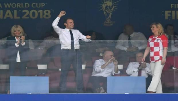 بدون بروتوكول.. نهاية كأس العالم حمّقات الرئيس الفرنسي ورئيسة كرواتيا