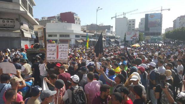 بالصور والفيديو من كازا.. نعوش في مسيرة التضامن مع معتقلي الريف