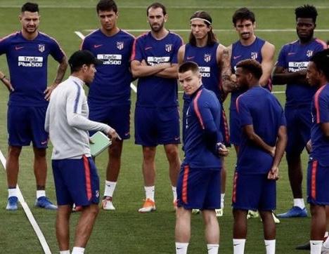 بسبب لاعب إيطالي.. الفيفا يُغرّم أتلتيكو مدريد