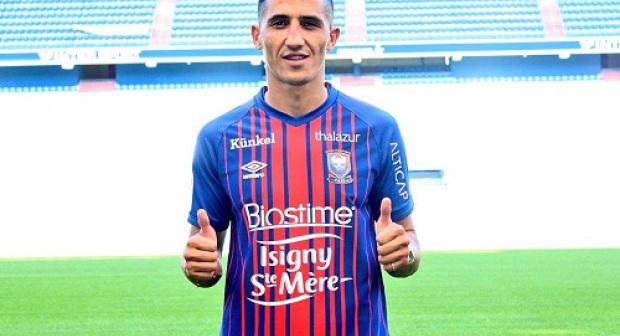 بعد أربع سنوات في الدوري الإسباني.. فيصل فجر يعود إلى فرنسا