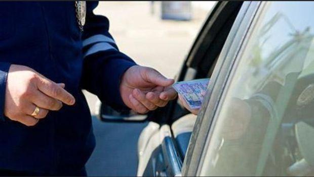 اللي فرط يكرط.. فتح ملف تأديبي في حق ضابطي شرطة بشبهة الارتشاء