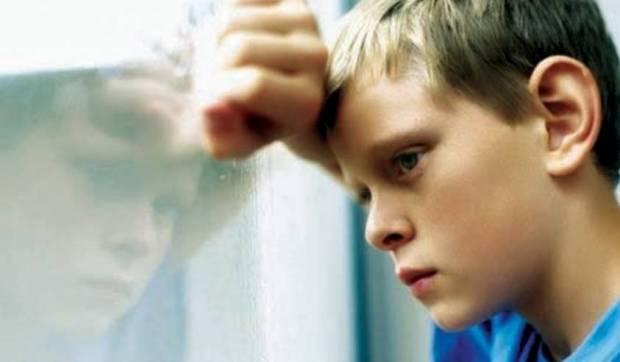 حضيو ولادكم.. العثور على طفل يعاني التوحد استغل انشغال والديه بالعيد وغادر المنزل