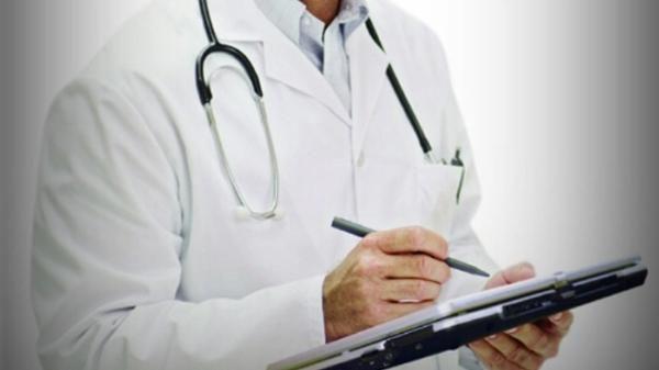 """تعويض الطب العام ب""""طب الأسرة"""".. تخصص جديد يخلق الجدل في كليات الطب!"""