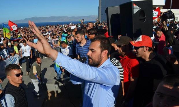 سجن عكاشة.. الزفزافي وآخرون يعلقون إضرابهم عن الطعام