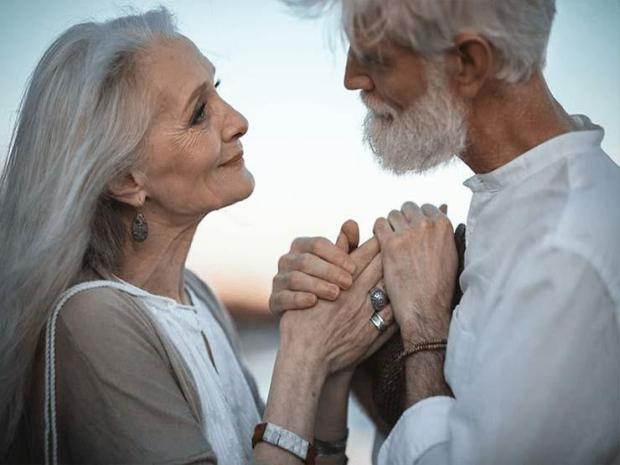 بعد 60 عاما من الفراق.. عاشقان فرقتهما الحياة وجمعهما الفايس بوك!