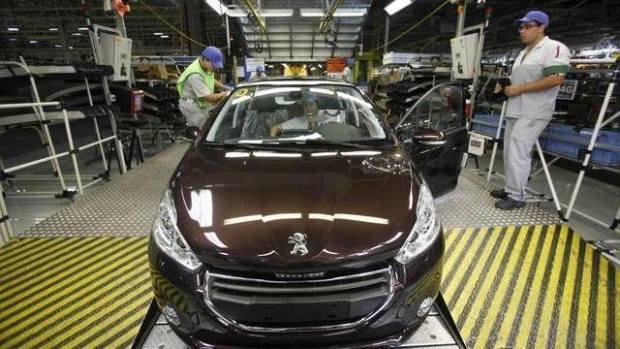 """بحلول 2020.. """"بوجو ستروين"""" ستنتج 200 ألف سيارة سنويا في القنيطرة"""