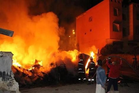 القنيطرة.. النيران تلتهم مصنعا لقصب السكر