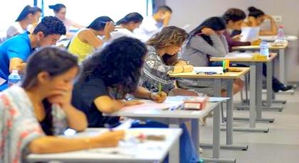 باقي زايد فيه.. حاكم مليلية يحرم تلاميذ مغاربة من التعليم