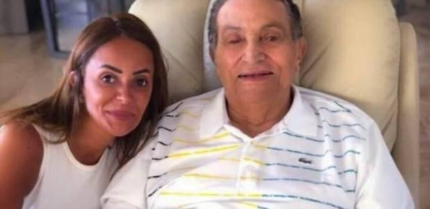 غلاظ وبان فيه الشرف.. قصة آخر صورة لحسني مبارك